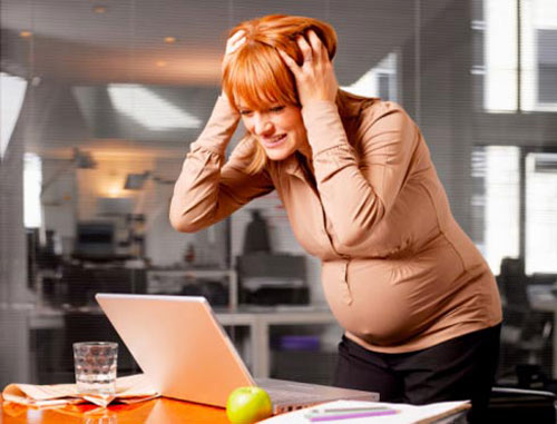 Avoid stress at work during pregnancy