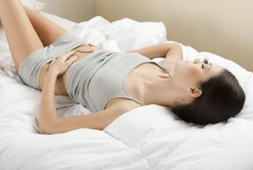 Lying will help reduce pain and internal medicine will cure the syndrome of blocking up vena of pelvic.