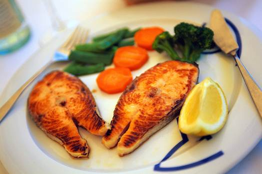 Description: Fish contains protein and calcium that are good for brain.