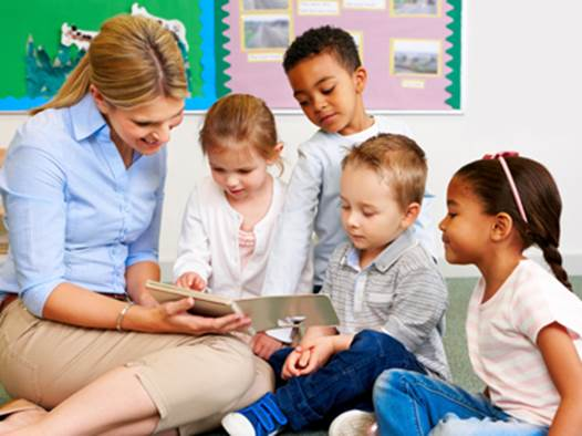 To become companions in learning English with children, parents need to understand and follow some certain rules.