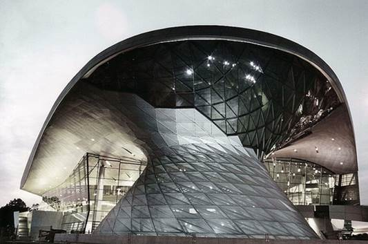 There is fantastic architecture to be found at the world headquarters of BMW