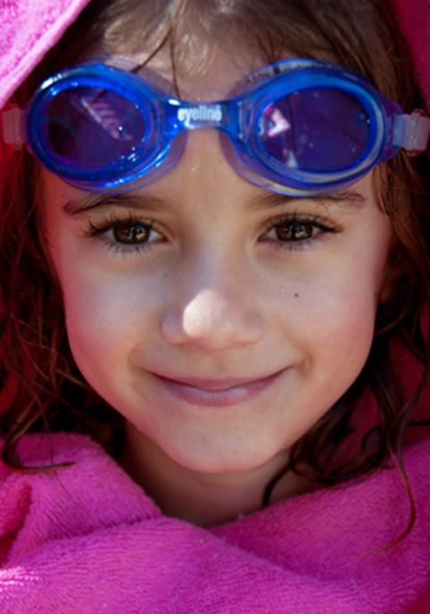The most simple and easiest way to protect your children's eyes is to equip them with quality swimming glasses.