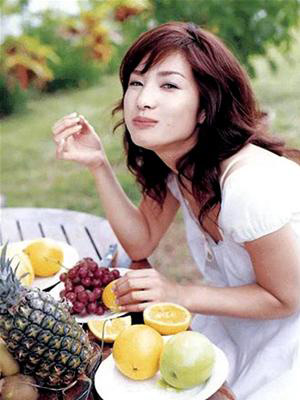 Eating fruits for breakfast will cause stomachache.