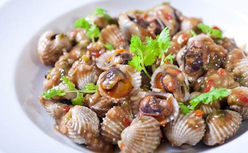 Seafood easily makes children be allergic.