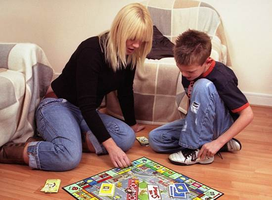 Description: Play word games to raise children's awareness of words