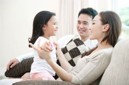 Description: Pay attention to your baby when she is saying