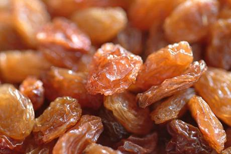 Description: Boiling raisins with hemp roots is to help the pregnant mother reduce the morning sickness effectively