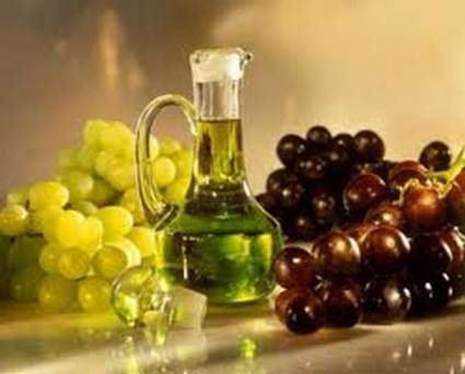 Description: Oil of grape seed is rich of antioxidants, vitamin E.