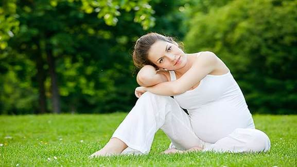 Description: Pregnancy doesn't make a woman feel unsafe; it makes her feel splendid and beautiful.
