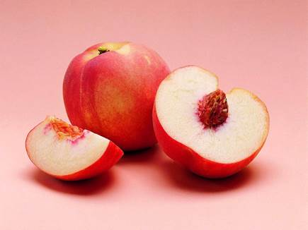 Apple not only is nice but also a wonderful dish for pregnant women.