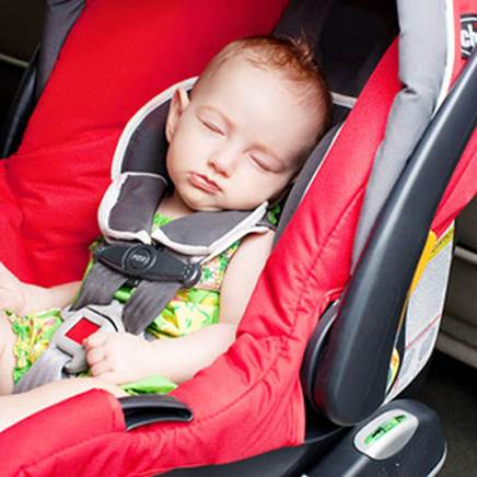 Many women are familiar with letting babies sleep in buggy.