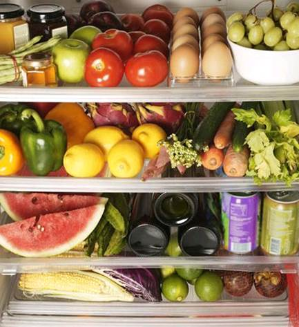 Storing a lot of vegetables will make them not fresh and lose nutrients.