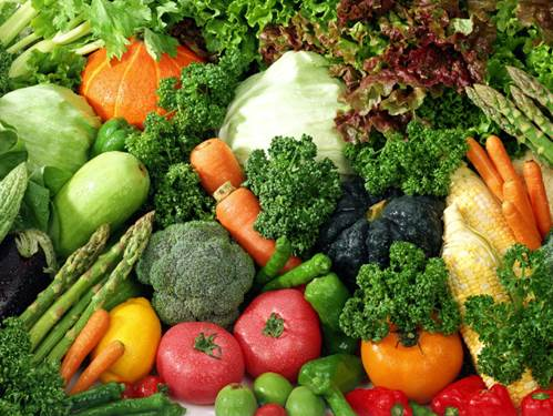 Pregnant women can make salad by using kinds of vegetable whose leaves have dark color