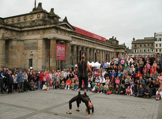 Description: Performance artists are made and broken at the renowned Edinburgh Fringe Festival.