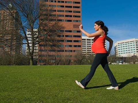 Every day, pregnant women should go jogging for 15-20 minutes.