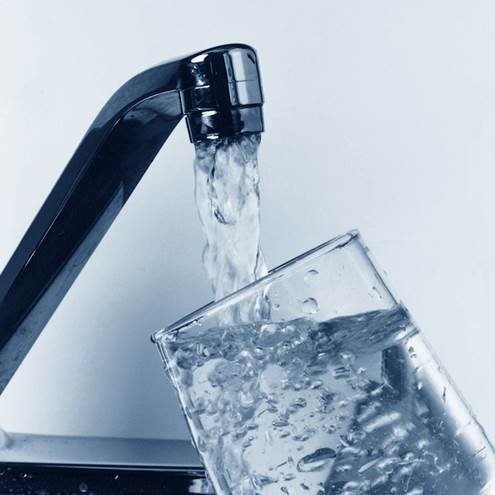 'You should drink a minimum of 1.2 liters a day, as dehydration causes water retention and constipation,' explains nutritionist Helen Money
