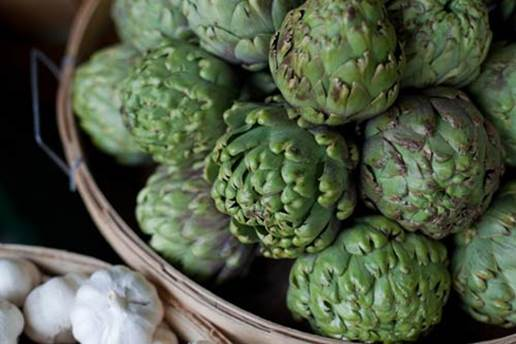 The artichoke is 1 in 10 foods that provide antioxidants, a great amount of fiber as well as the vitamins which are in other popular vegetables, such as vitamin C and K.