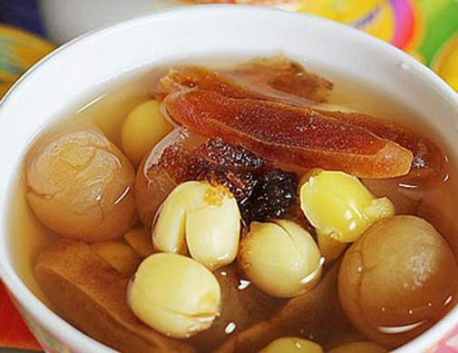 Soup of longan and lotus seed