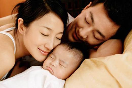 Husband's attendance in process of taking care of wife that has just given birth has big effect to psychology, health of mother and child.