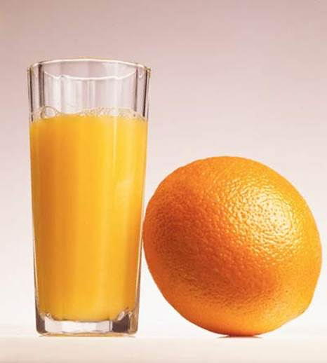 Pregnant women should drink fresh, non-sugary orange juice.