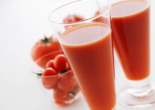 Tomato juice helps pregnant women to reduce the risk of cancer.