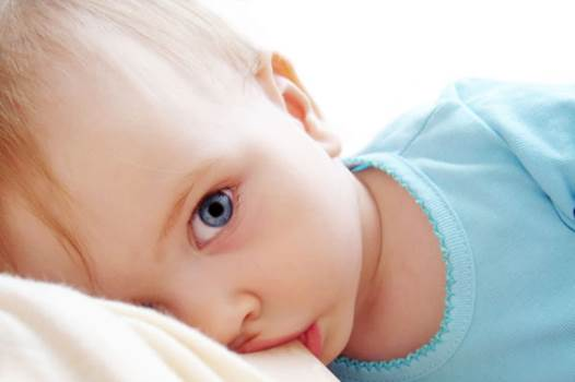 The mother-to-child disease can be transmitted while breastfeeding.