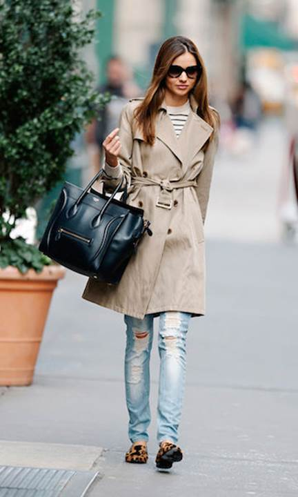 Description: C:\Users\Administrator\Desktop\1\Fashionable Ways to Style a Classic Trench Coat_files\image001.jpg