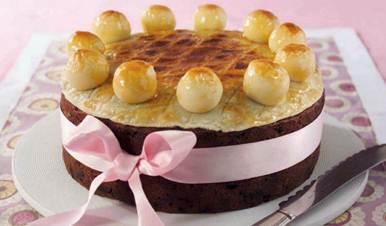 Description: Simnel cake
