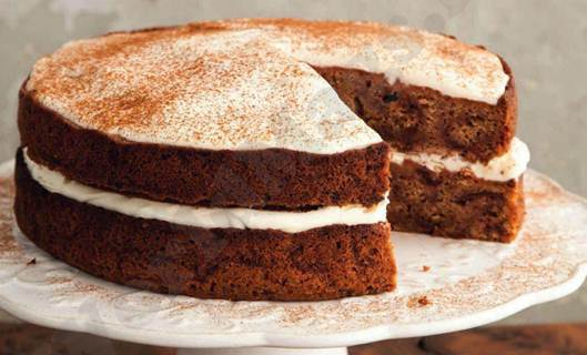Description: Spiced beetroot cake with mascarpone