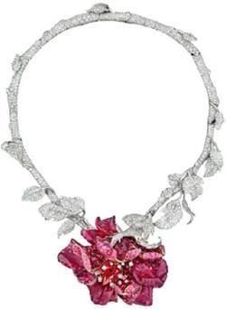 Description: Sparkle neckpiece