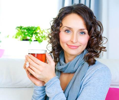 Female office workers should drink tea.