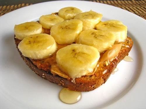 Eating bananas with honey can lead to lacking protein and minerals.