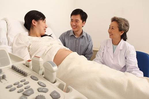 Pregnant women should consider and wisely decide to take medical examination during pregnancy.