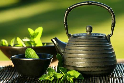 The catechins found in green tea help prevent breakdown of collagen and reactivate dying skin cells