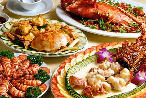 You eat a lot of foods that are rich of protein such as fish, shrimp, oyster… that can get rid of pigments of age.