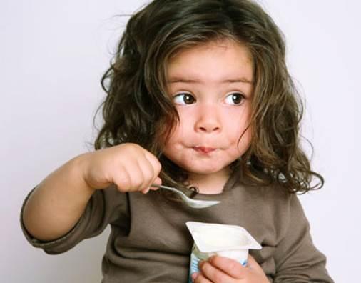 Eating too much yoghurt isn't good for children.