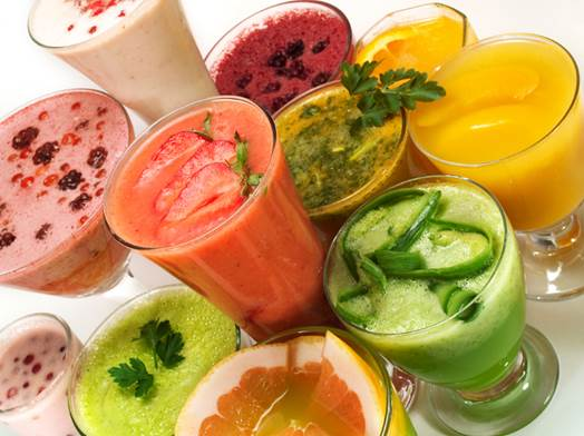 Fruit smoothie and juice… are drinks that help the body to absorb vitamins, minerals, water and fibers.