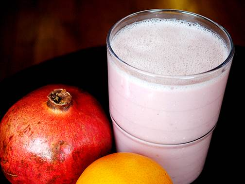 Orange, lemon, pomegranate smoothie can prevent constipation.