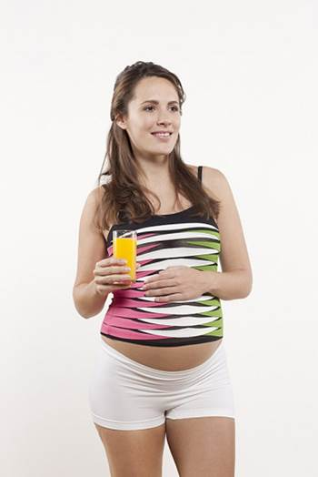 Pregnant women should use fresh king orange; they should squeeze to take juice and drink.