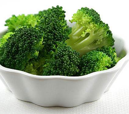 Broccoli is rich in potassium that can help pregnant women prevent cramp.