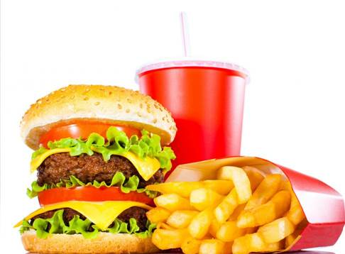 Experts also advise parents not to use fast foods as reward for children's result.