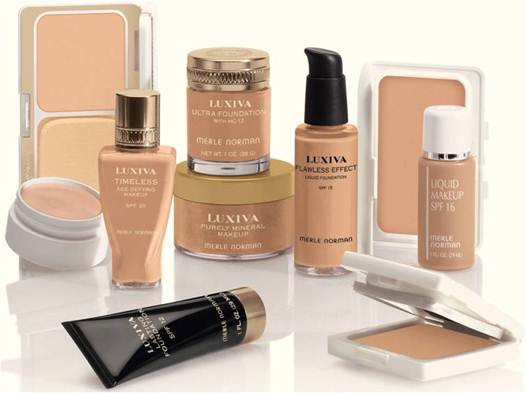 """Description: """"The key to creating a natural look is choosing a foundation that matches your skin tone,"""""""