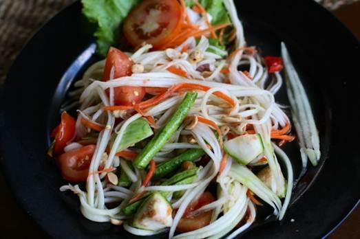 Description: papaya salad