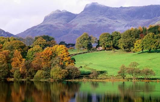 Description: Lake District National Park in autumn