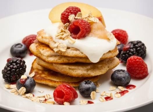 Description: Oat pancakes with fruit and vanilla yoghurt