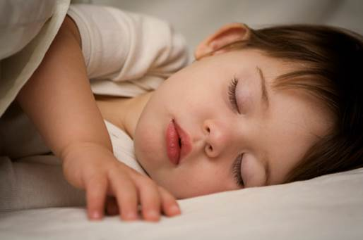 Children shouldn't sleep with a full stomach.