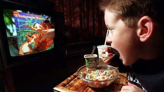 If children focus on the TV and forget to chew and swallow, you have to turn off the TV to have them focused on eating.