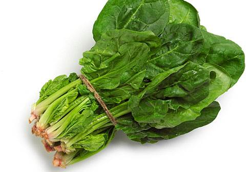 Carotene in spinach can transform to vitamin A in body that can protect eyesight and health of skin cells.