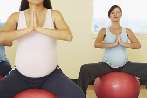 Pregnant women should use specialized ball to exercise in pregnancy.