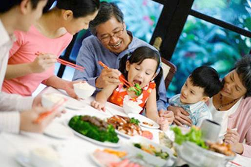 Children can imitate their parents' eating and drinking, so it will lead to anorexia.
